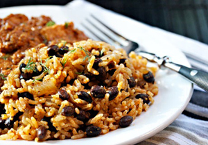 Rice with red beans (Moro de Habichuelas Rojas) | Dining for Women